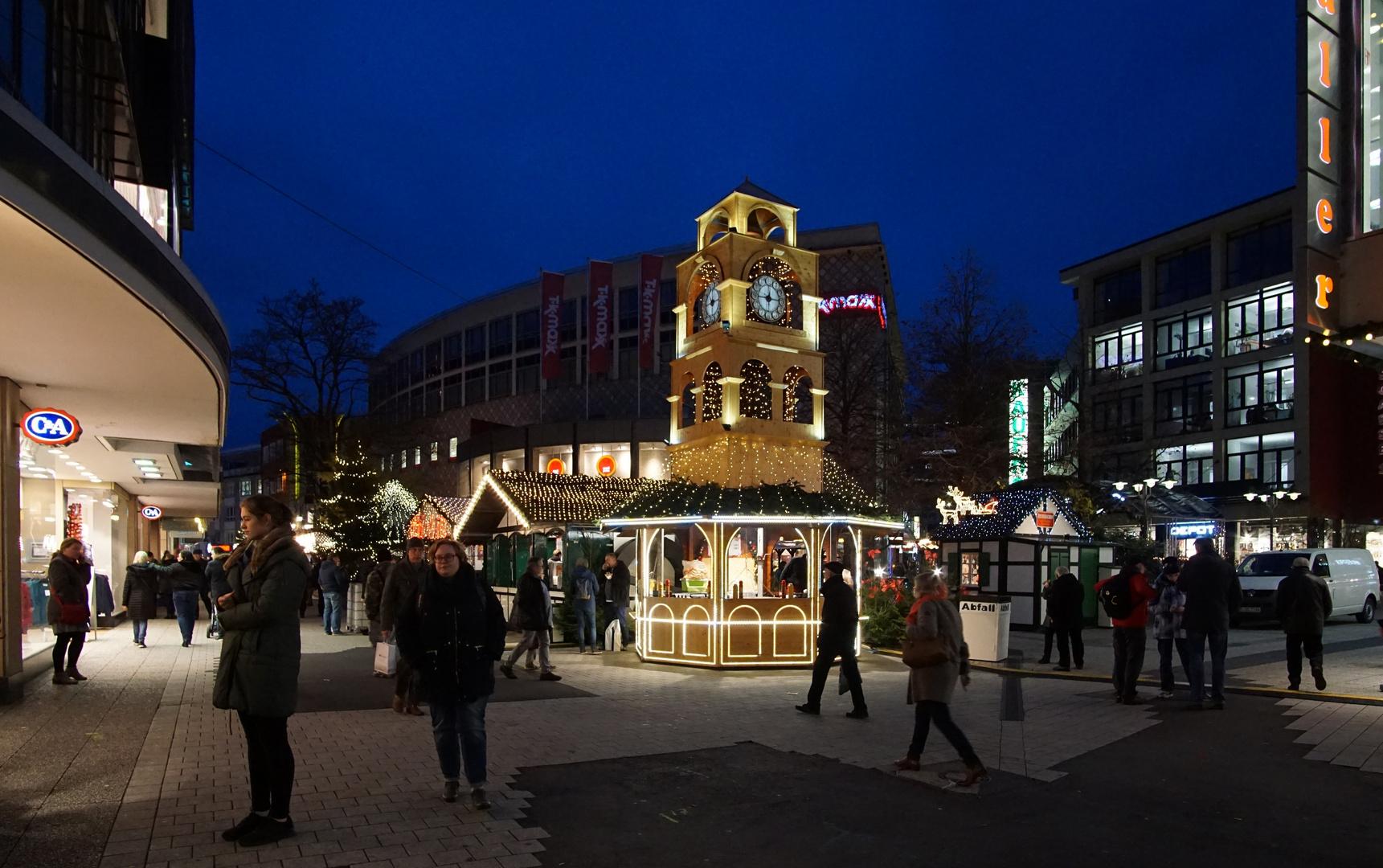 Weihnachtsmarkt 15-18