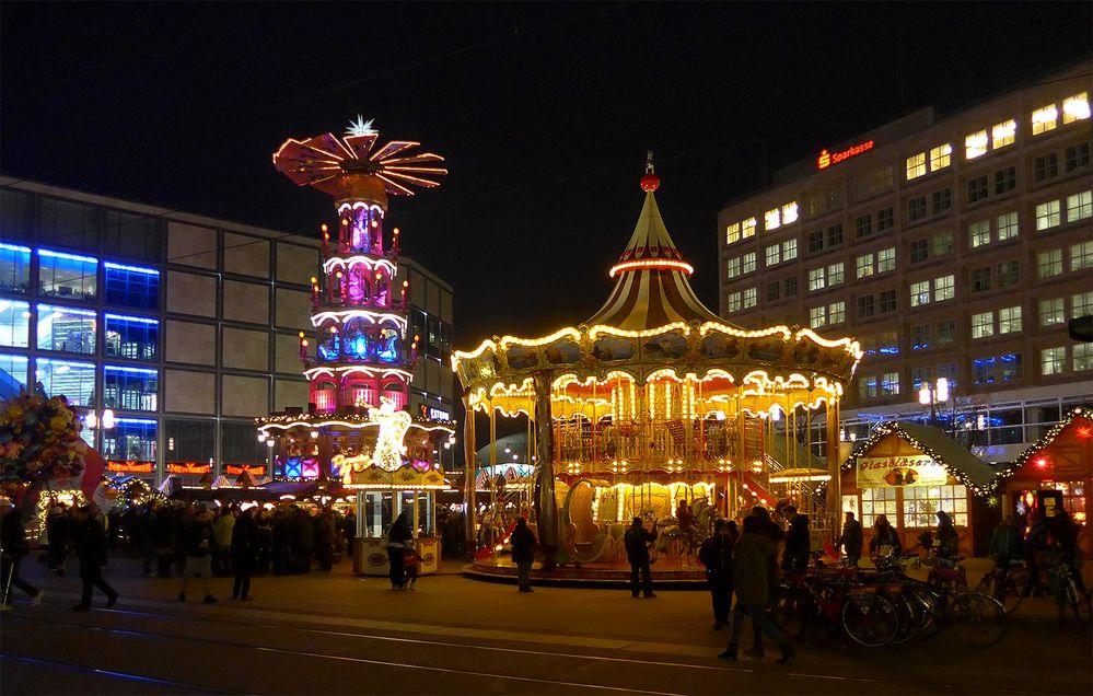 weihnachtsmarkt am alex foto bild berlin. Black Bedroom Furniture Sets. Home Design Ideas