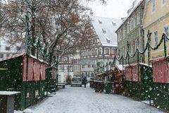 Weihnachtsmarkt im Schneetreiben