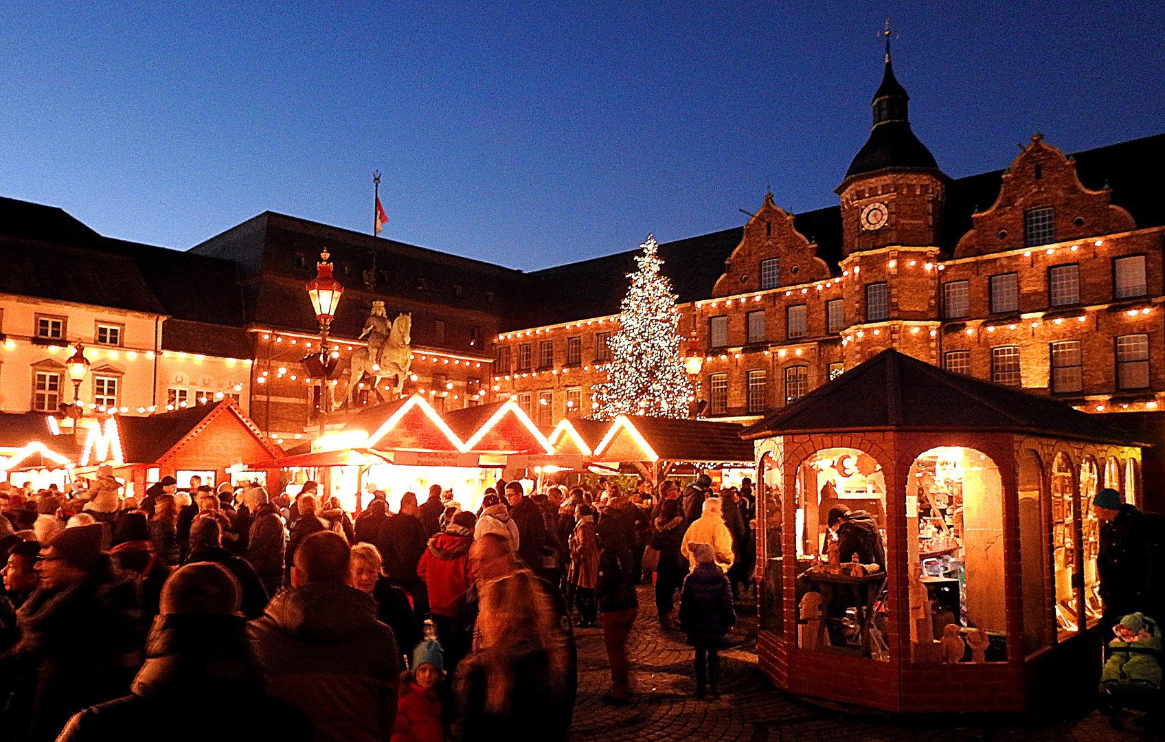 Weihnachtsmarkt in der Düsseldorfer Altstadt