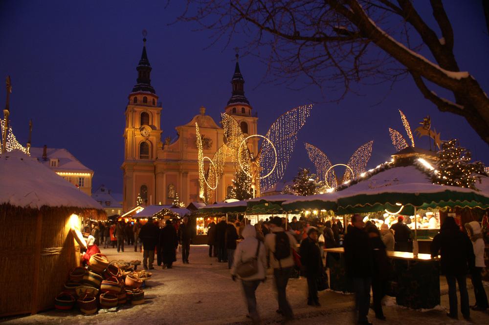 Ludwigsburg Weihnachtsmarkt.Weihnachtsmarkt Ludwigsburg Foto Bild Streetfotografie Motive