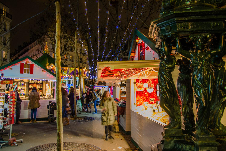 Paris Weihnachtsmarkt.Weihnachtsmarkt Place D Abbesses Foto Bild Europe France Paris
