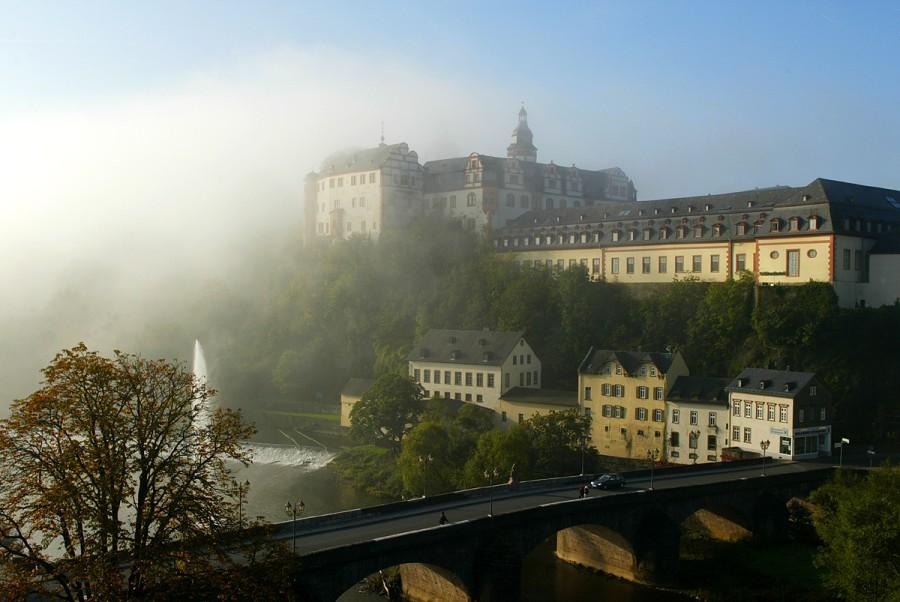 Weilburg im Nebel