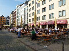 Weinfest in Köln auf dem Heumarkt