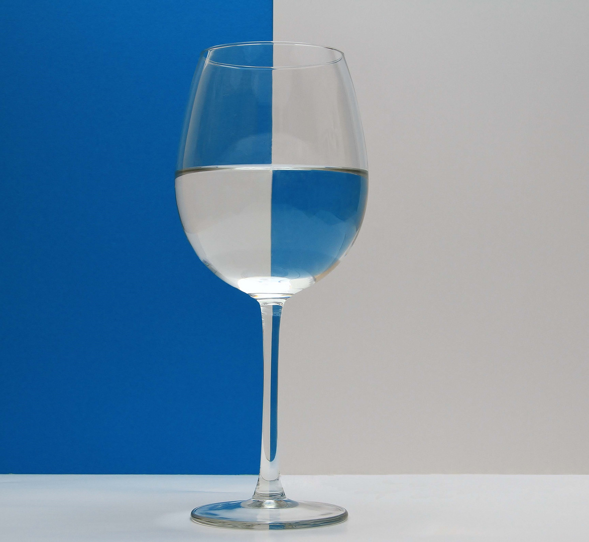 Weinglas... zweifarbig.