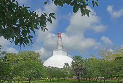 Weisser Stupa