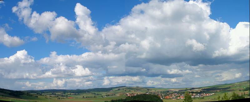 """"""" Weite Landschaft unter Haufenwolken """" * 1 *"""