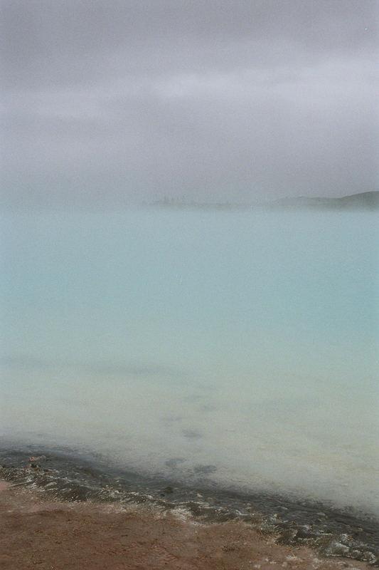 Welcher Idiot läuft eigentlich in einen Thermalsee??