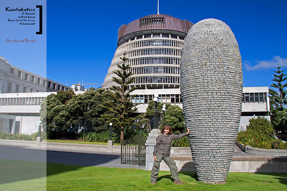 Wellington Sculpture: Kaiwhakatere - The Navigator