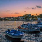... wenn am Hafen die rote Sonne schon bald versinkt ...