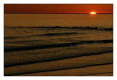 Wenn bei Borkum die rote Sonne im Meer versinkt