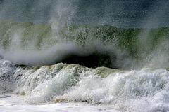 Wenn der Wind mit dem Meer spielt