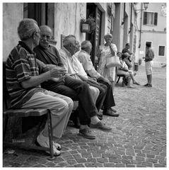 Wenn es Abend wird in Vignale Monferrato, Piemont