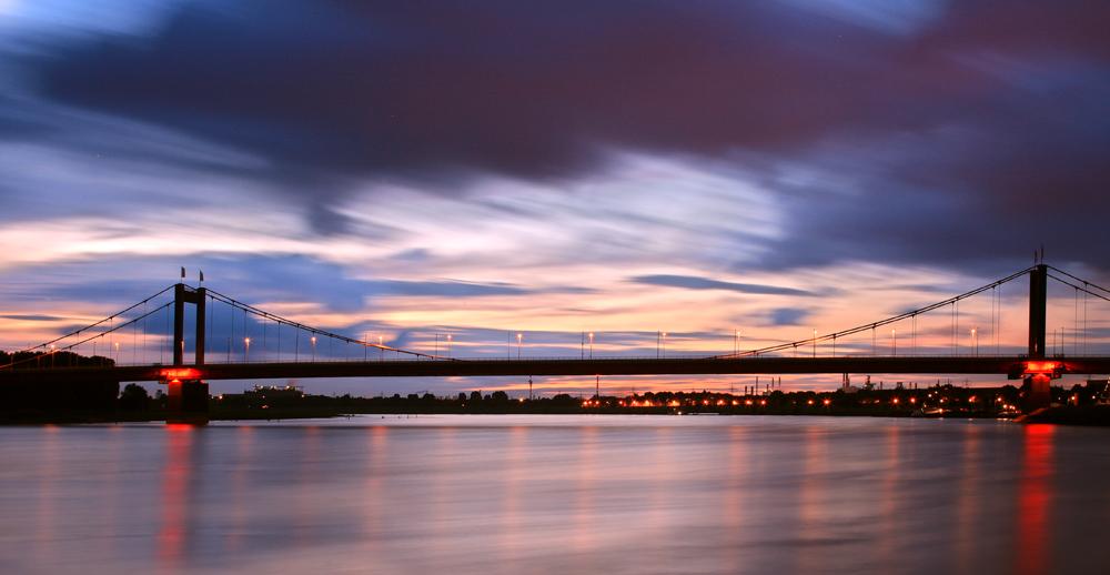 Wenn es Nacht wird am Rhein