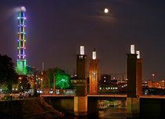 Wenn es Nacht wird über Duisburg