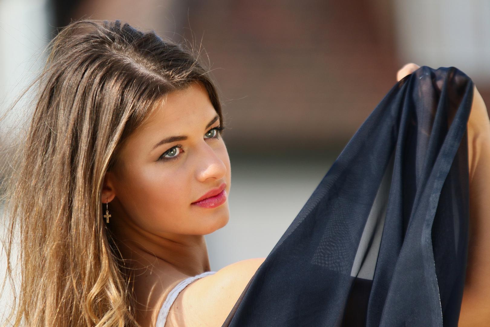 Wenn flüchtige Blicke fesseln Foto & Bild | fashion