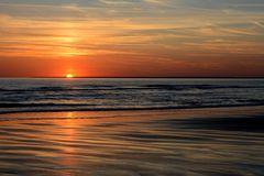 wenn Sonne im Meer versinkt
