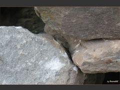 * Wenn Steine sich küssen *