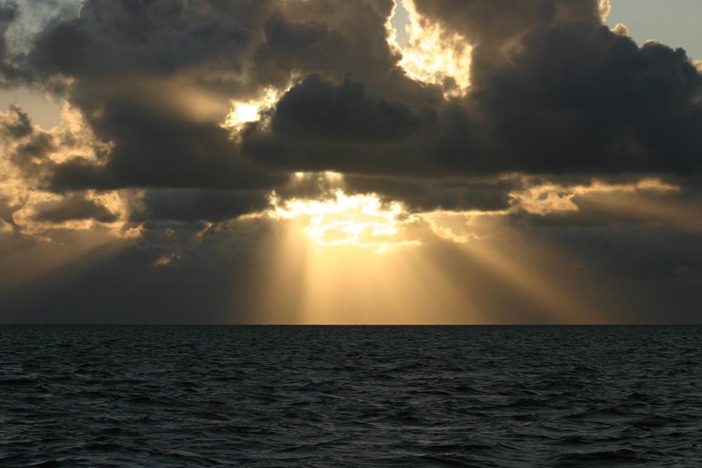 Wer gewinnt, die Sonne oder die Wolken ?