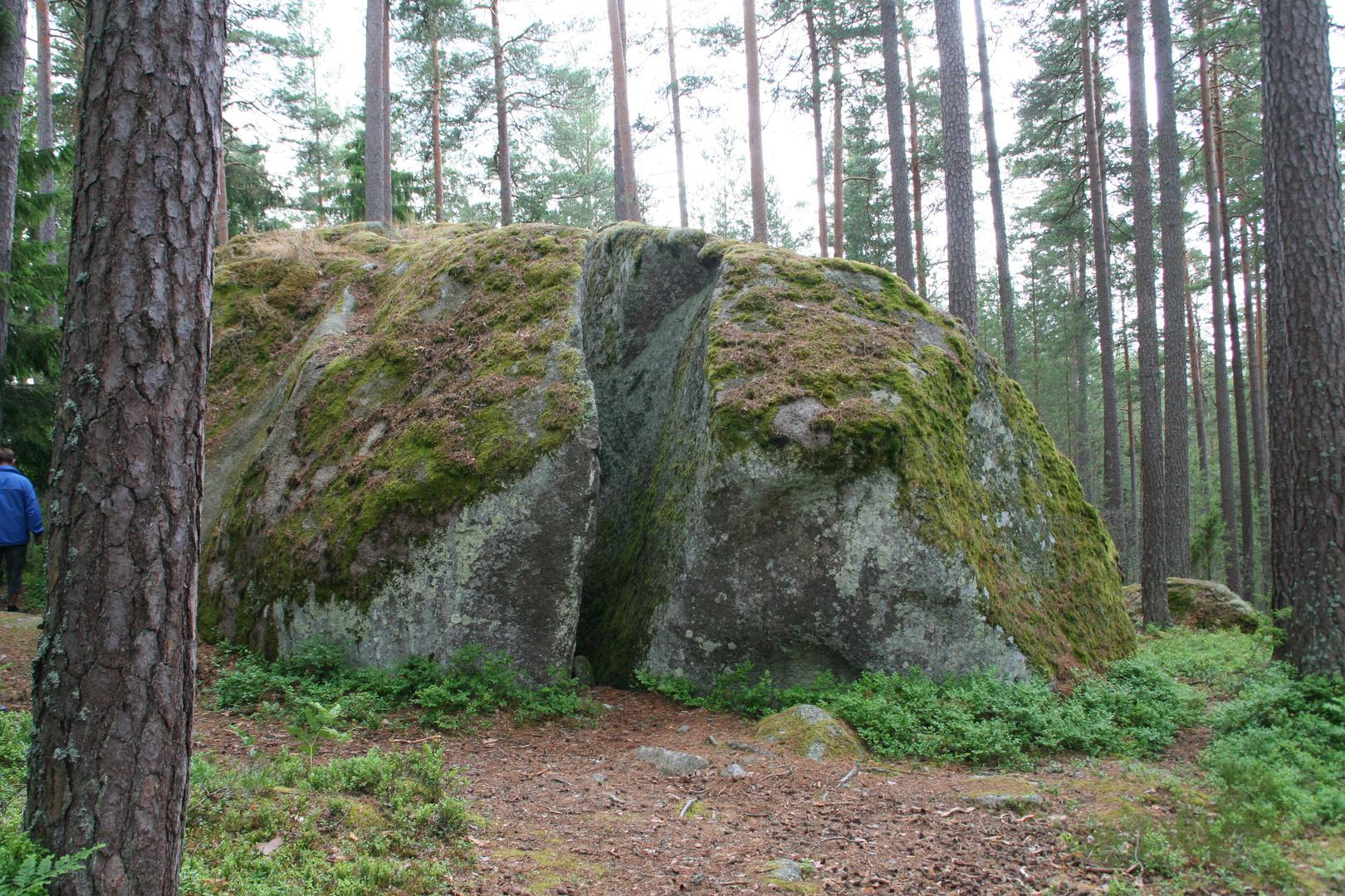 Wer hat den Stein zerbrochen?