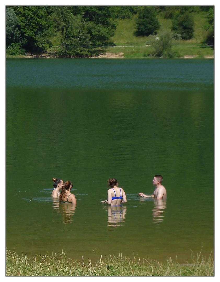 Wer schwimmt mit ans andere Ufer?