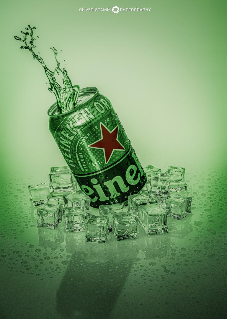 Werbeaufnahme einer Heineken Bierdose. Advertising shot of a Heineken beverage can.