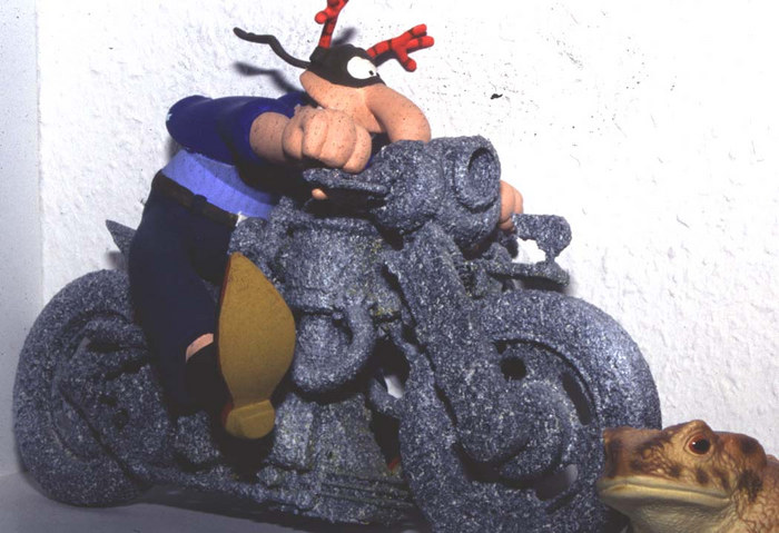 Werner überfährt Kröte