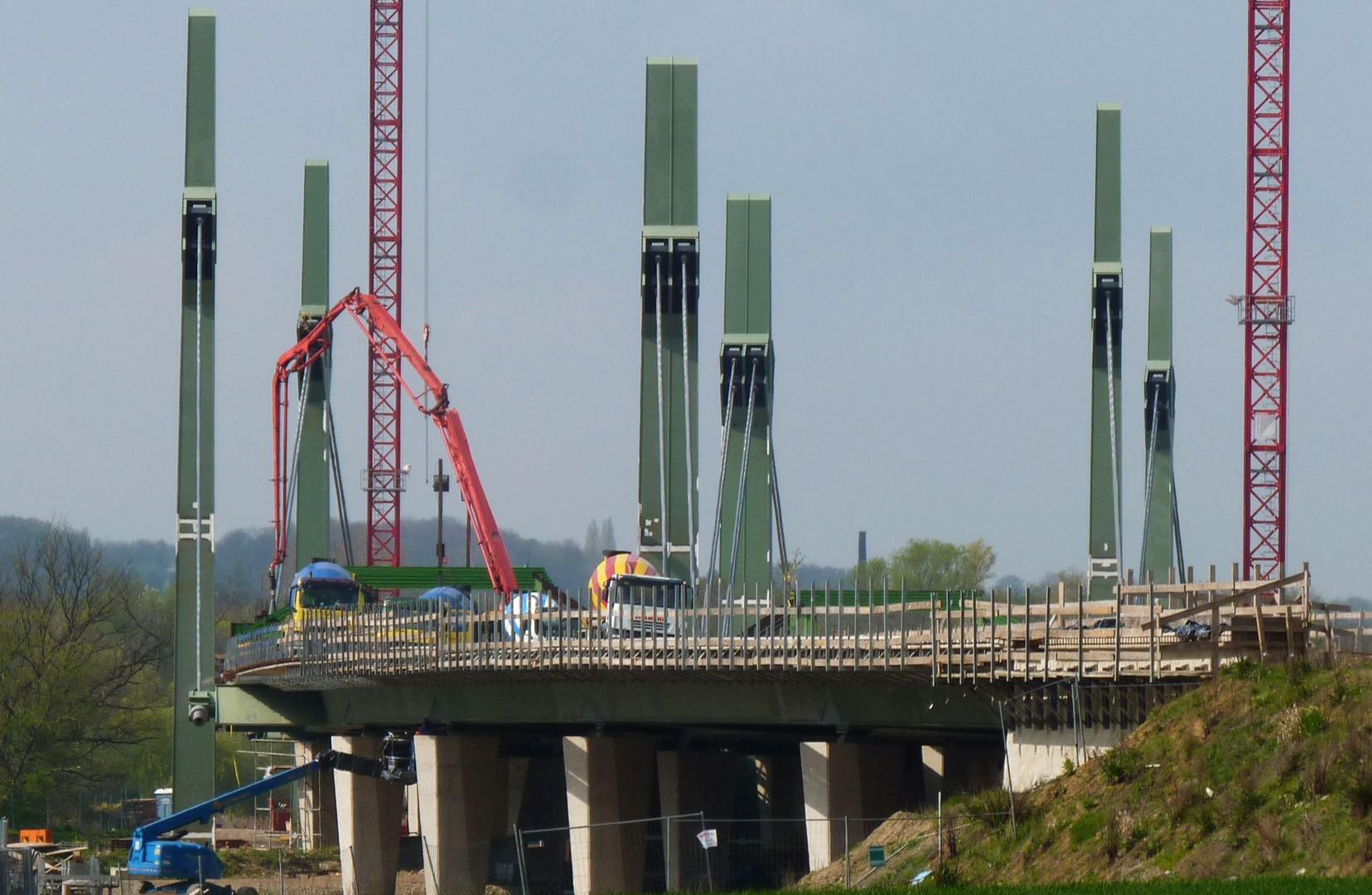 Werrebrücke West im Autobahnabschnitt Löhne