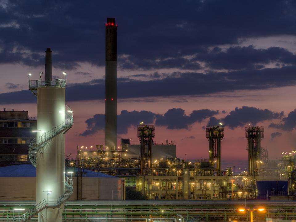 Wesselinger Industrie bei Nacht