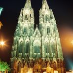 Westseite Kölner Dom bei Nacht