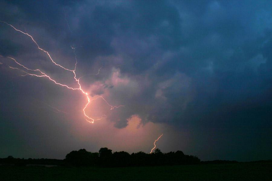 Wetterleuchten in Contrexdange