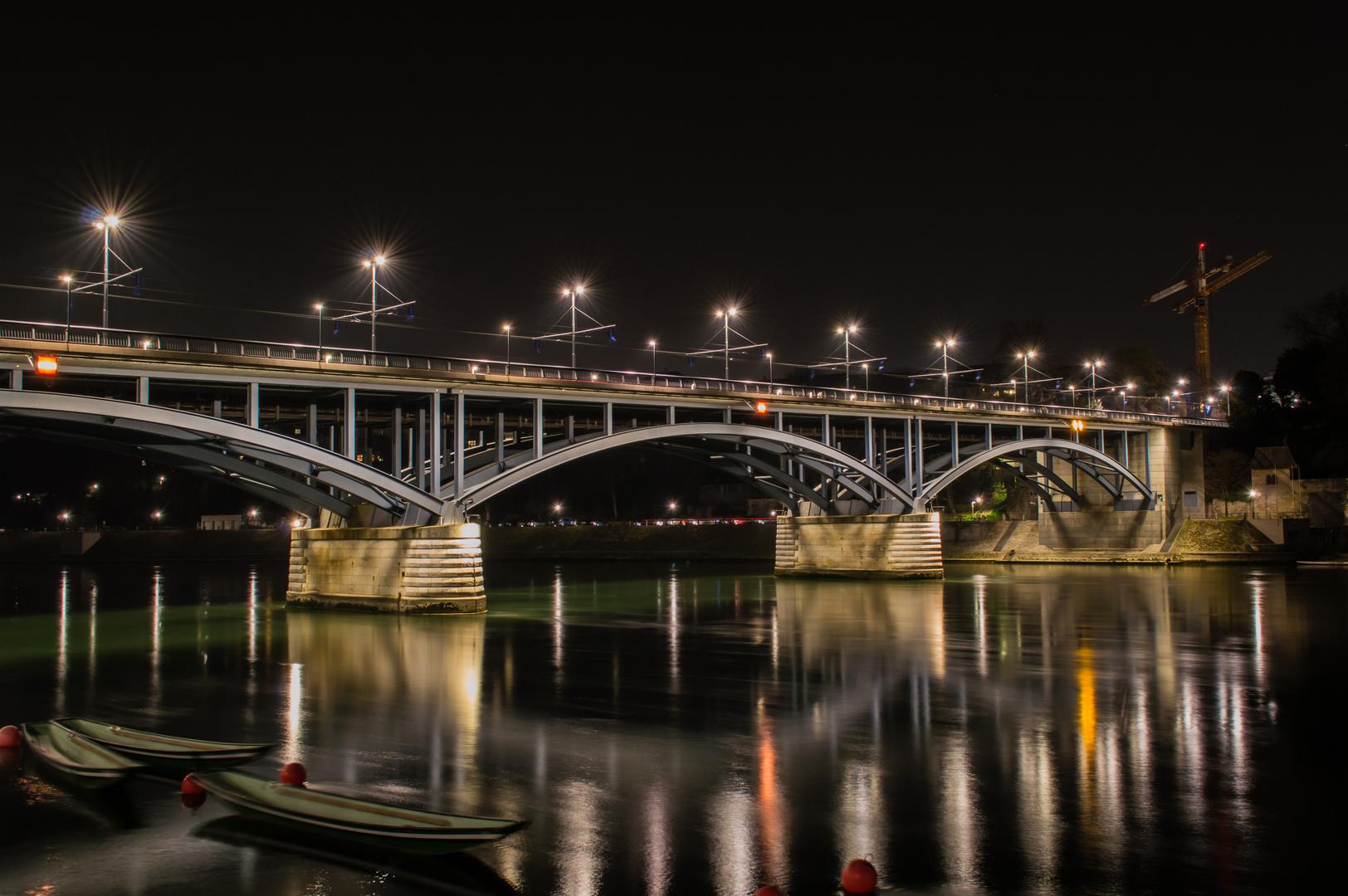 Wettsteinbrücke Basel bei Nacht