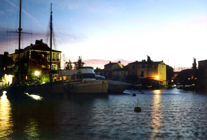 when the night sneeks into Port Grimaud
