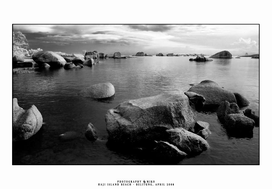 .:: Whispering Rocks ::.