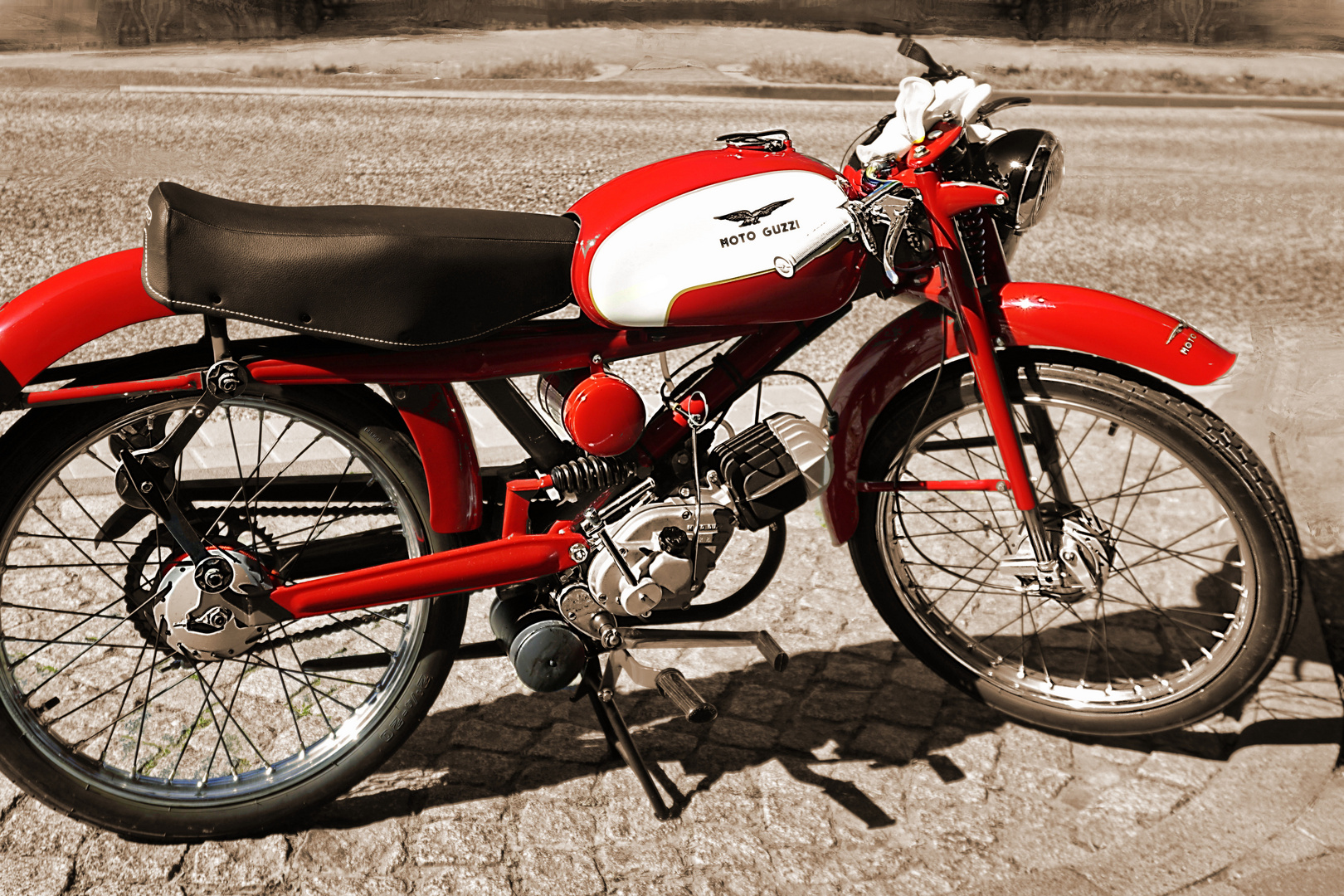 """Wie Dazumal - Eine """"Moto Guzzi Cardelino Lusso"""""""