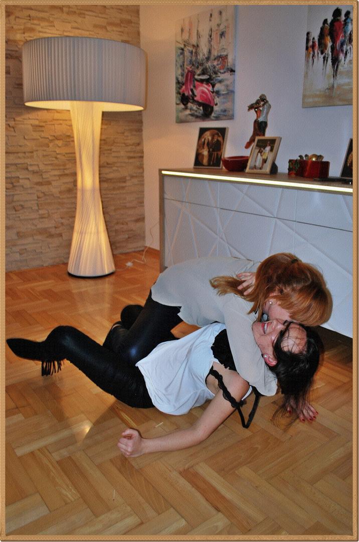 Wie wäre es mit einem Tanzkurs? :)
