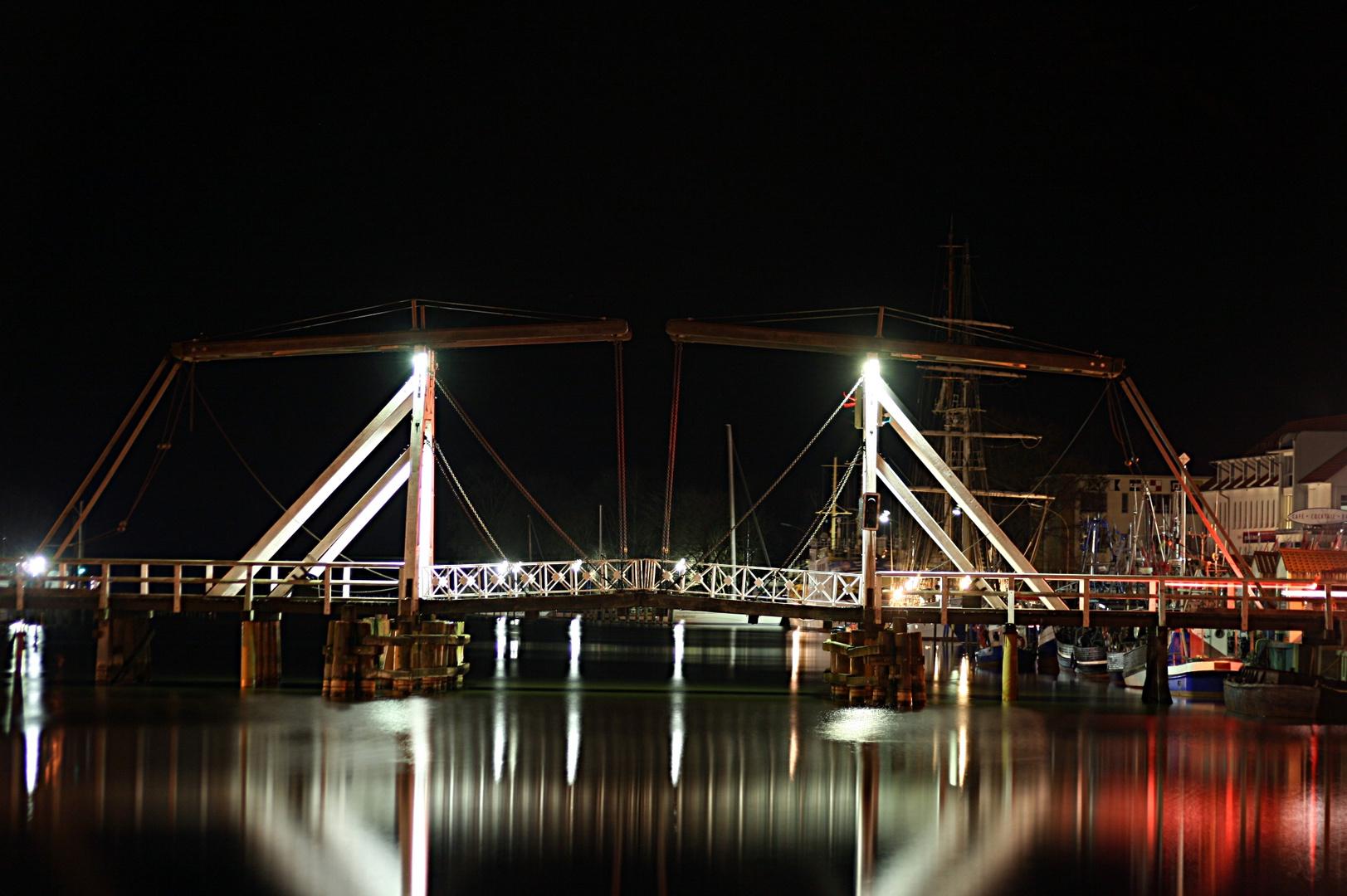 Wieck Brücke bei Nacht