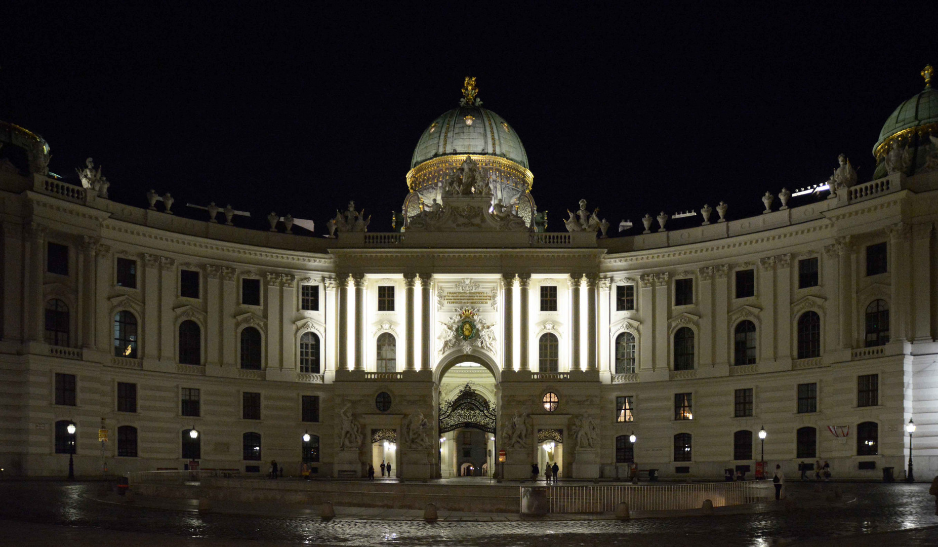 Wien bei Nacht: Michaelerplatz