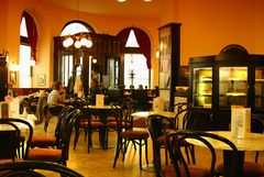 Wiener Cafe-Haus Impression im Cafe Griensteidl in Wien, Michaelerplatz, gegenüber der Hofburg.#2167