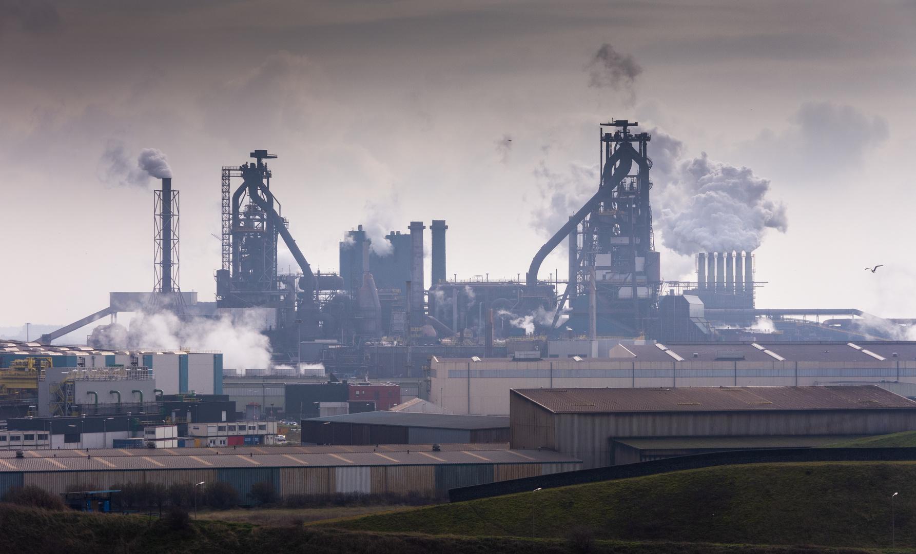 Wijk aan Zee - Bosweg - View on Tata Steel Blast-Furnace - 03