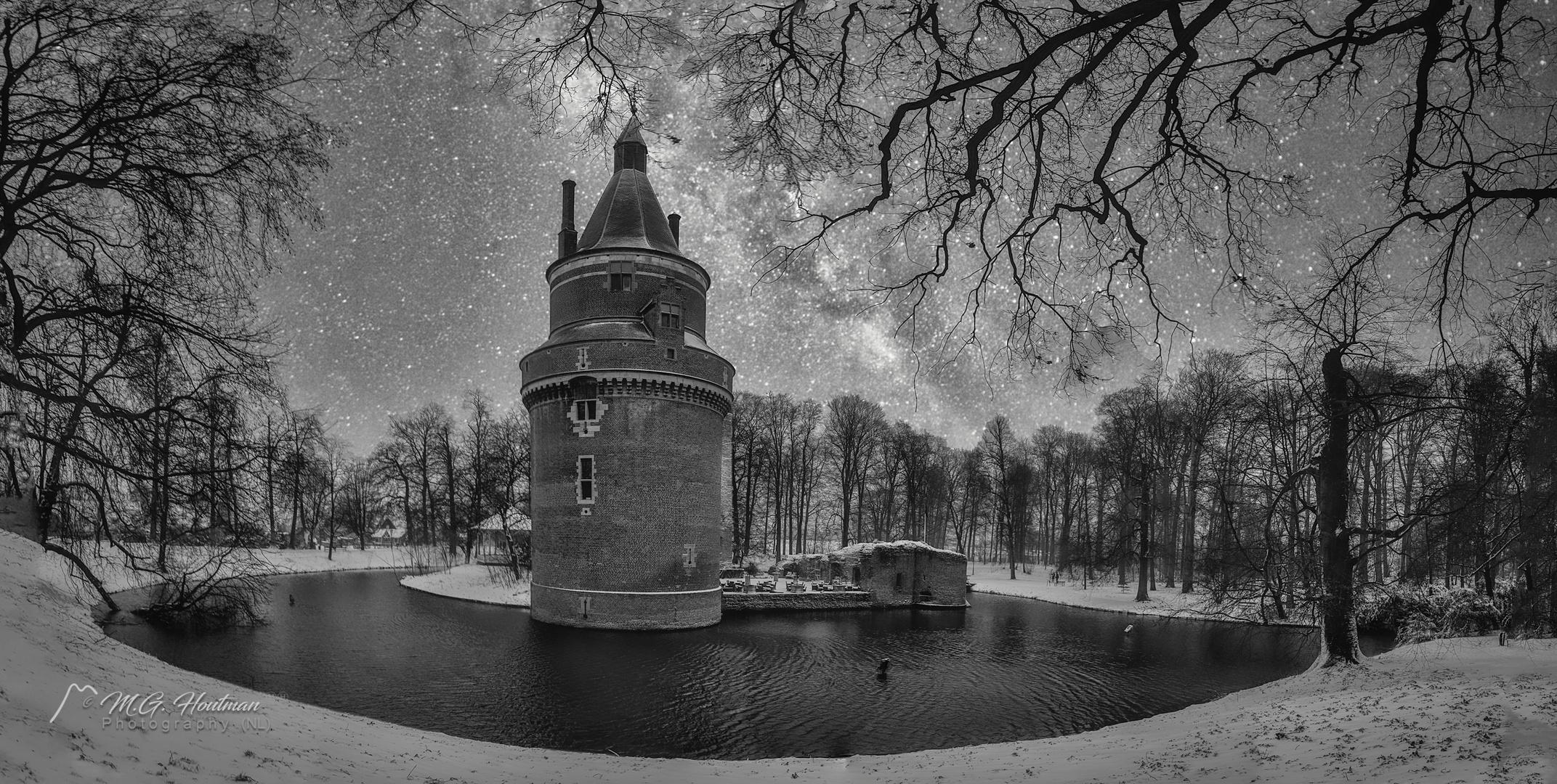 Wijk bij Duurstede castle under the starry night