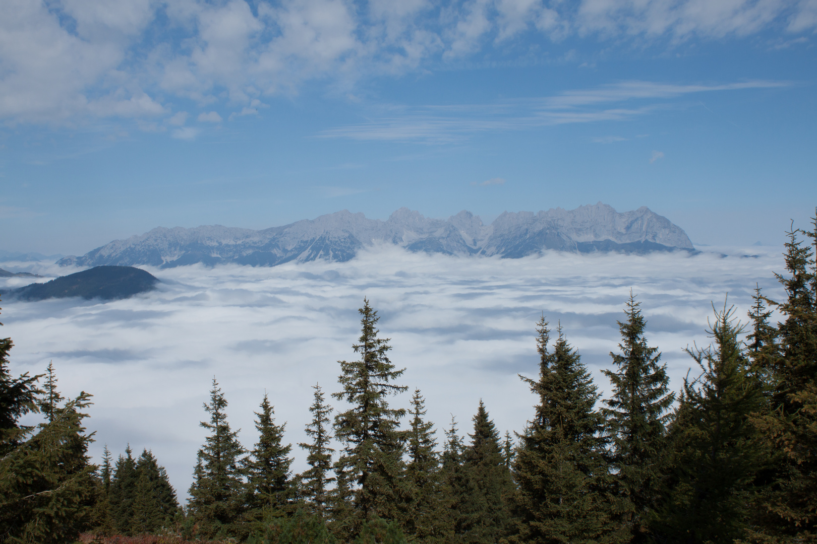 Wilder Kaiser im Nebel 2