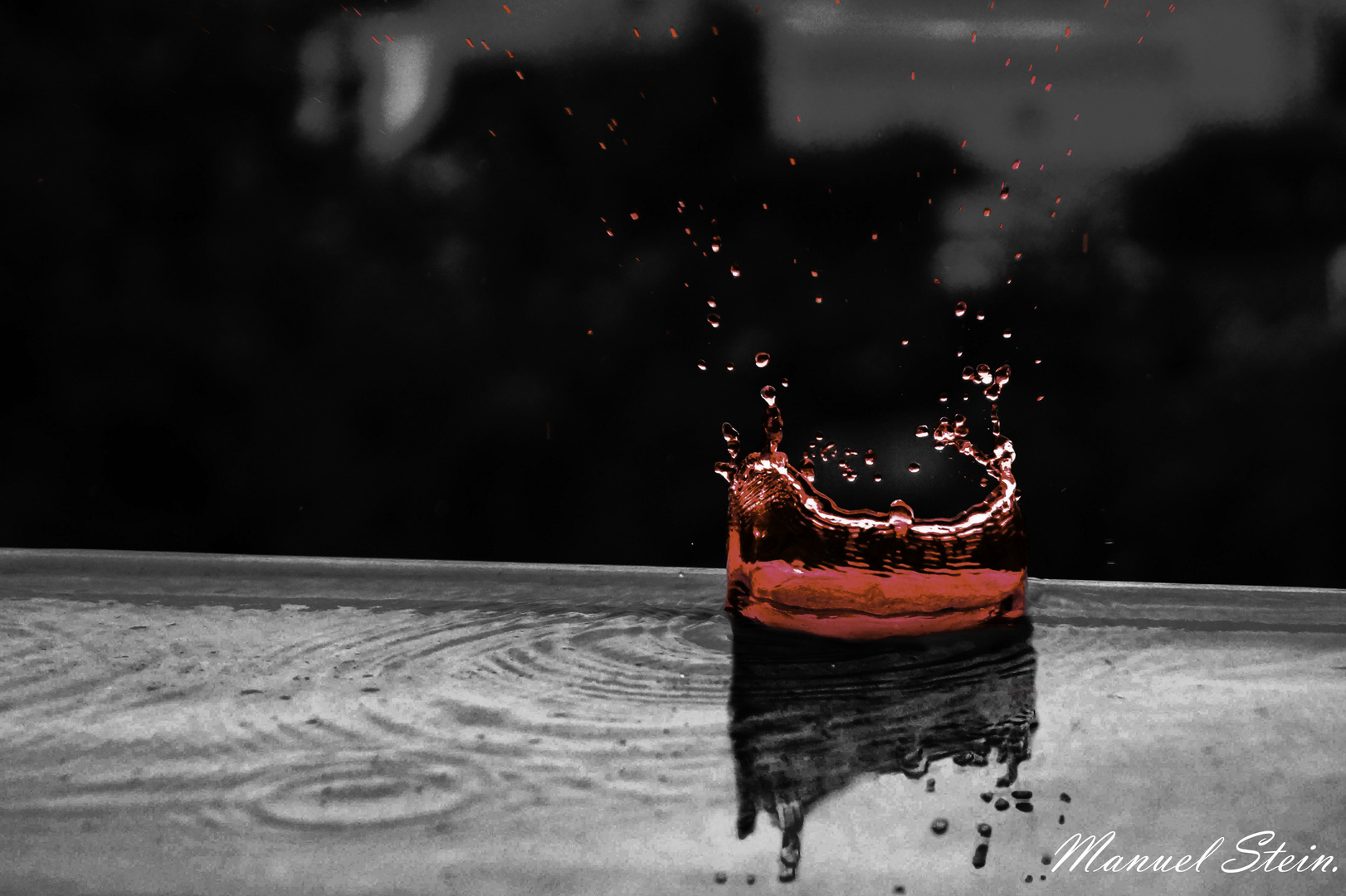 Wilder Wassertropfen