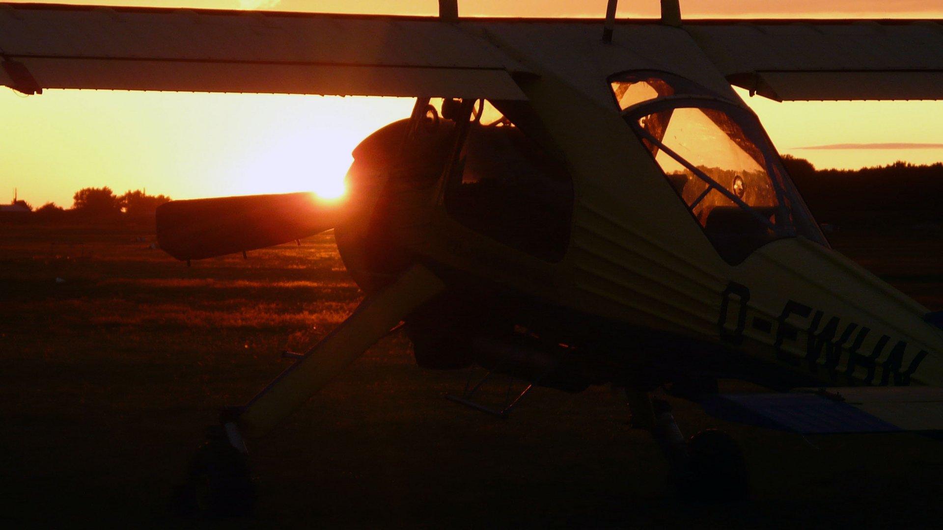 Wilga PZL-104 im Sonnenuntergang