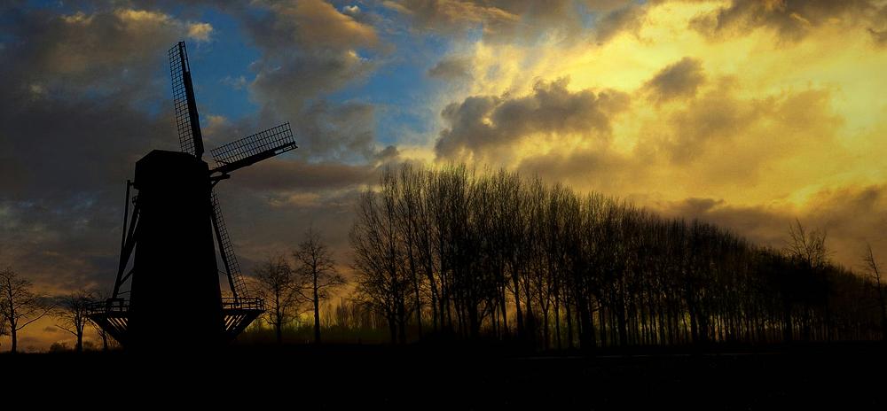 Windmill at dusk (3)