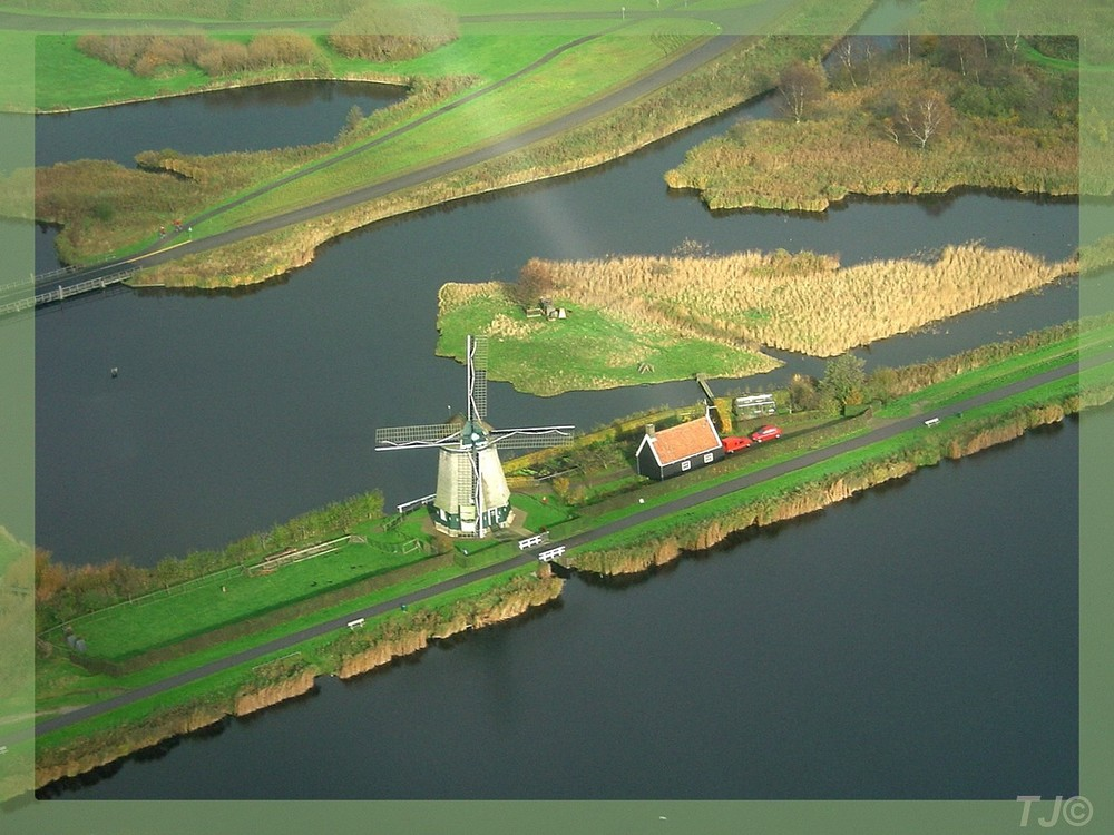 Windmill in the Dutch countryside