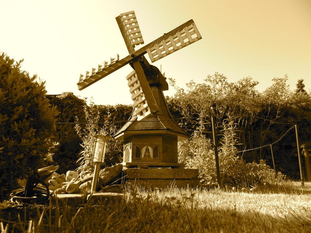 Windmühle im Garten