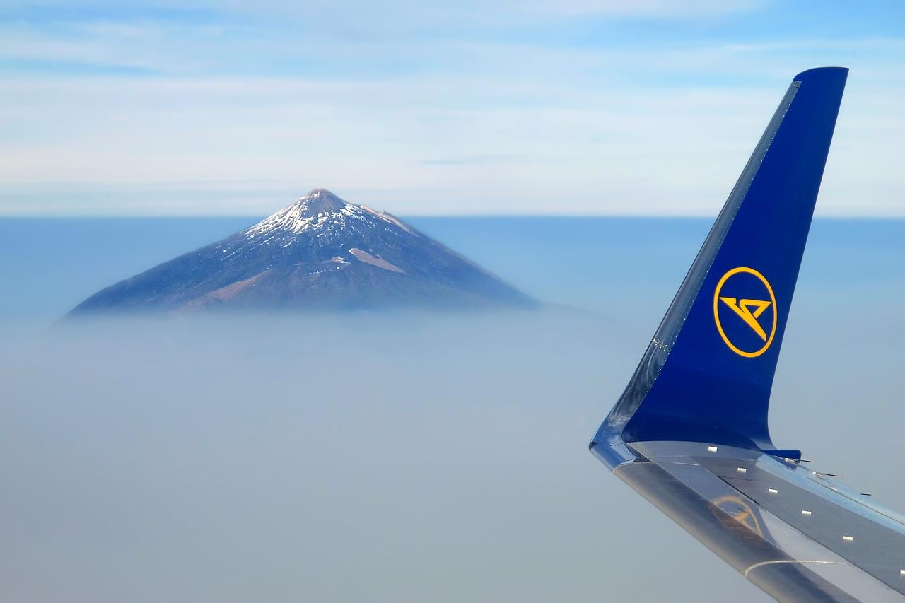 [Wingview] Der Teide auf Teneriffa aus dem Flugzeug fotografiert