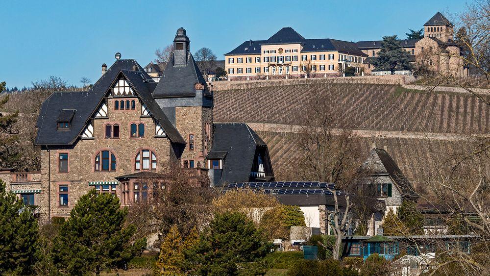 WINKELER JESUITENGARTEN mit Schloss Johannisberg