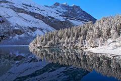 Winter am Oeschinensee! - Ce beau lac de montagne se trouve à 1578 mètres d'altitude.